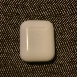 Apple Other - Apple 2nd Gen charging case (just the case)